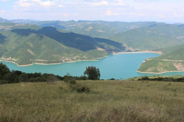 Поглед на језеро Газиводе и Рогозну са Резалске главе (Фото: Жарко Продановић)