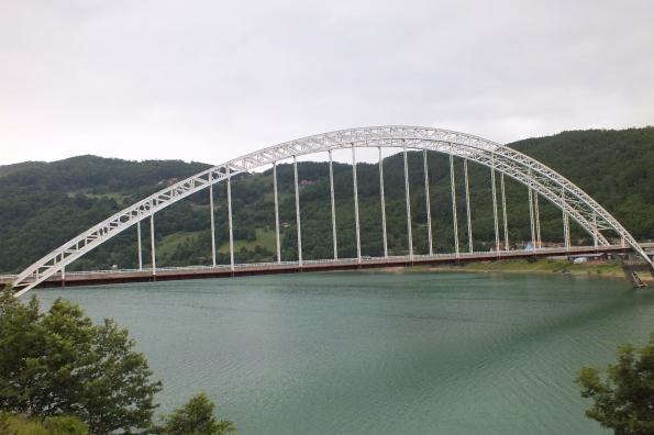 Мост у Брњацима преко језера Газиводе