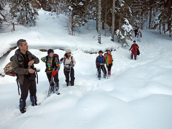 Ево нас, после пробијања кроз дубоки снег на путу за Голо брдо
